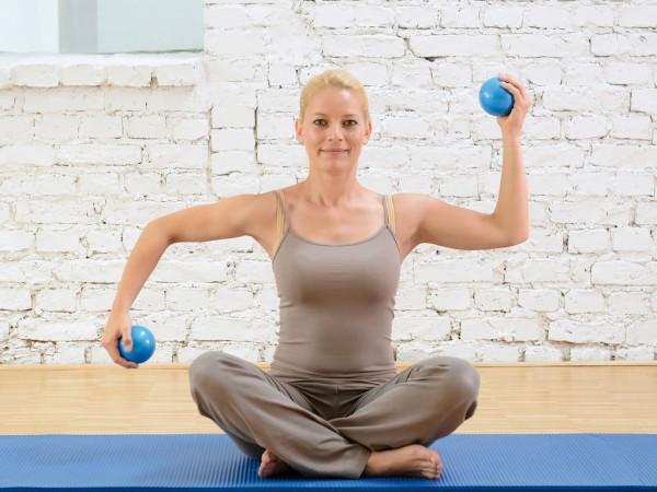 sissel-pilates-toning-ball-03.jpg